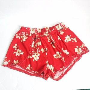 RUE 21 SHORT RED PRINT FLORAL SIZE L